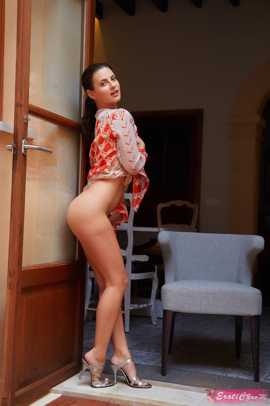 считаю, что порно ребекка линарес в ботфорты почему так мало хороших